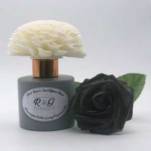 R&G Essentials Black Rose and Oud Diffuser